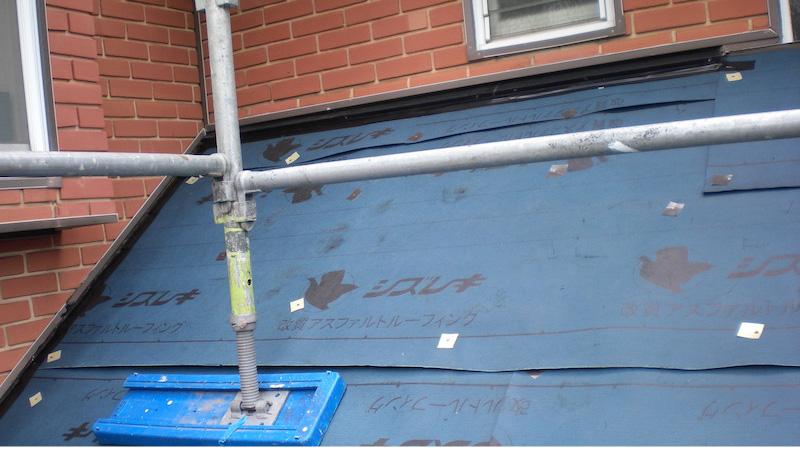 下屋根のカバー工法のルーフィング
