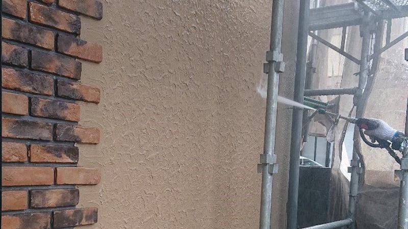 外壁塗装の高圧洗浄