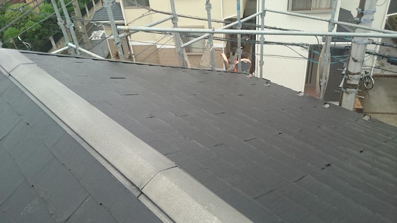 屋根材が剥がれたパミール屋根