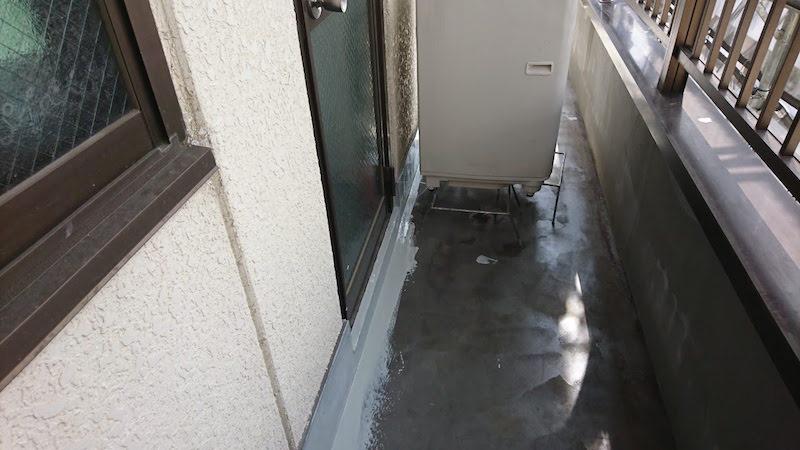 横浜市のベランダ防水工事の施工前の様子