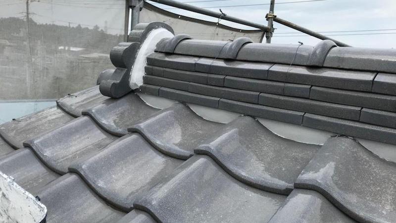 屋根の漆喰補修後の様子