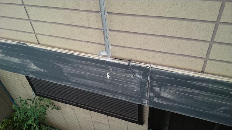 高圧洗浄後の幕板の劣化