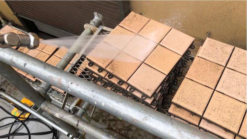 ベランダ防水工事の高圧洗浄