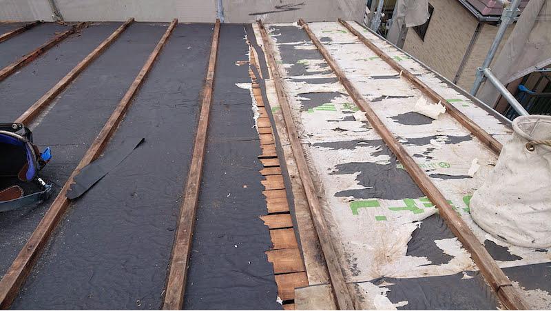 既存のトタン瓦某屋根の撤去