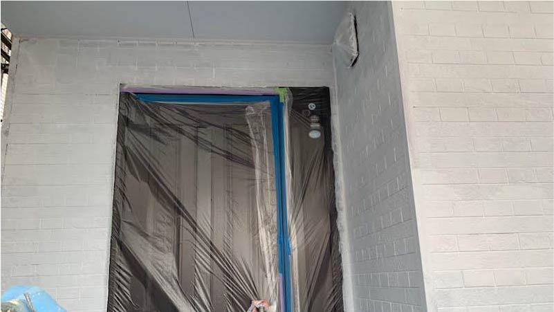 市川市の外壁・屋根塗装の下塗り