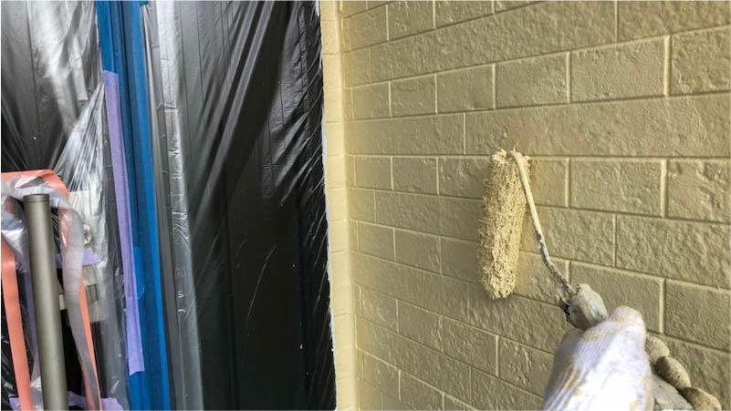 市川市の外壁・屋根塗装の上塗り
