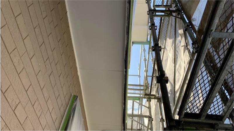 市川市の外壁・屋根塗装の軒天の塗装