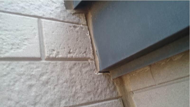 市川市の外壁・屋根塗装のコーキングの劣化