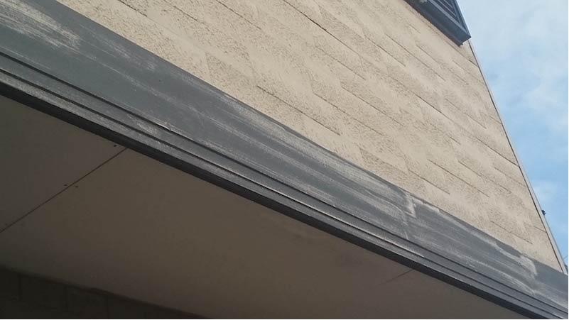 市川市の外壁・屋根塗装の幕板の劣化症状