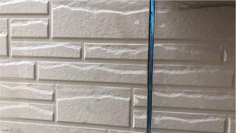 三郷市の外壁塗装のコーキングの施工