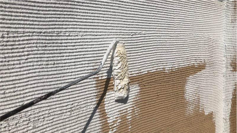 三郷市の外壁塗装の下塗り