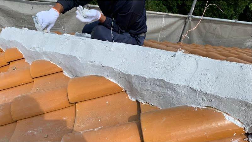 千葉市の棟積み直し工事の南蛮漆喰の施工