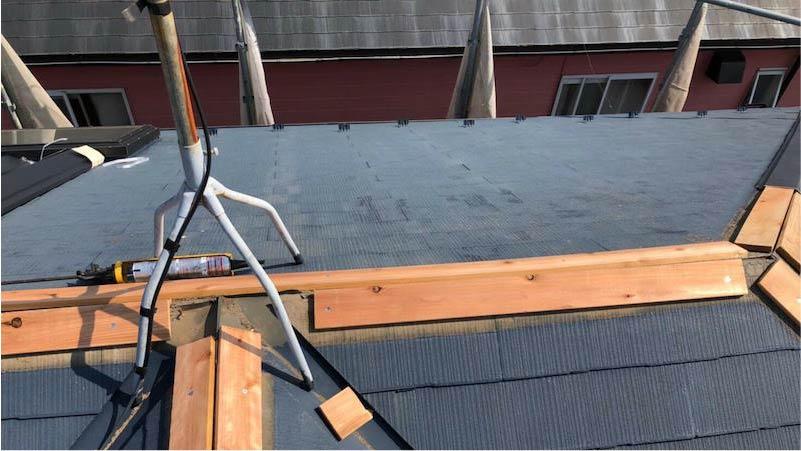 船橋市の棟板金交換工事の棟下地の施工
