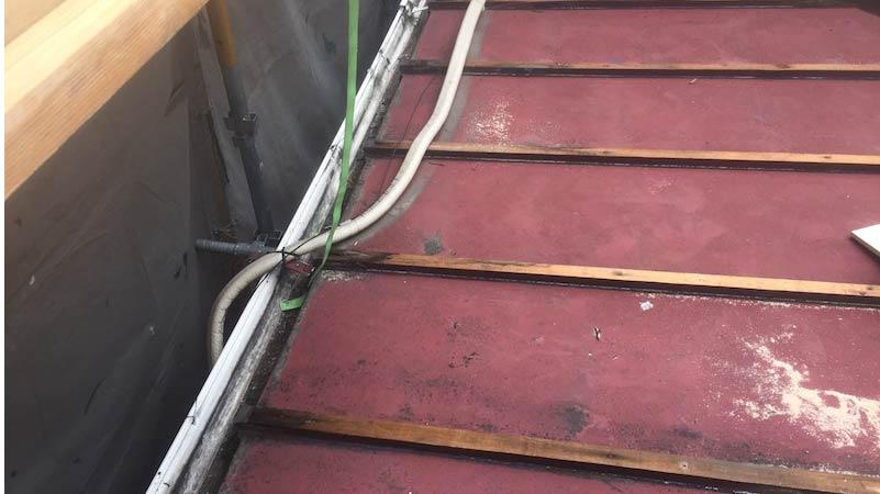 江戸川区の屋根葺着替え工事の瓦棒の撤去