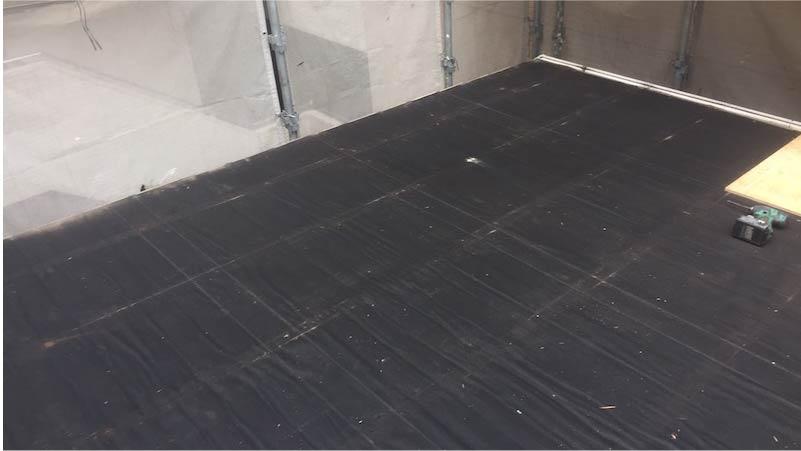 江戸川区の屋根葺き替え工事の屋根材の撤去