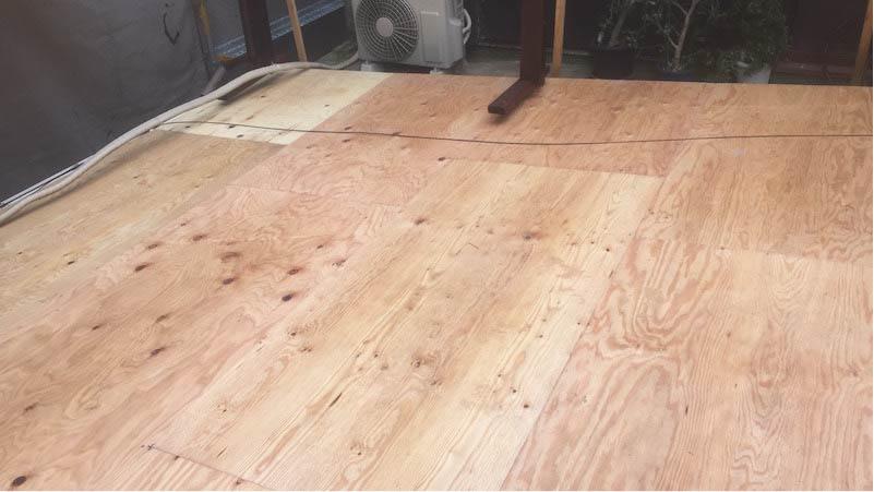 江戸川区の屋根葺き替え工事の野地板の施工