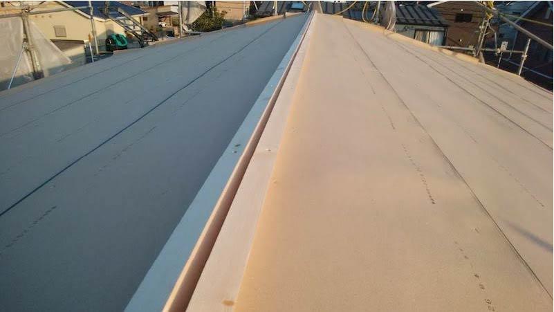 柏市の屋根葺き替え工事のルーフィングの施工