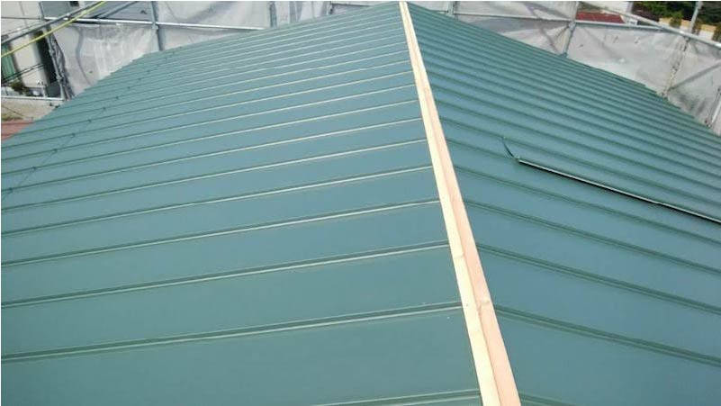 柏市の屋根葺き替え工事の屋根本体の施工