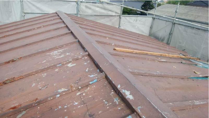 柏市の屋根葺き替え工事の施工前の様子