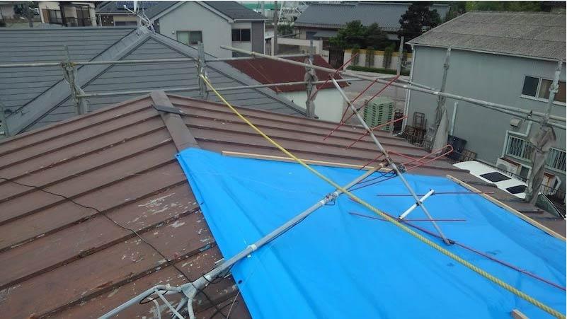 柏市の屋根葺き替え工事の応急処置後