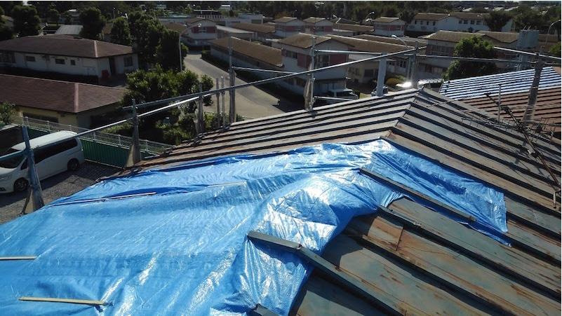 台風で飛散した松戸市のトタン屋根