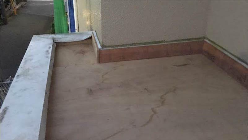 葛飾区のパラペットの防水工事の野地板の補修