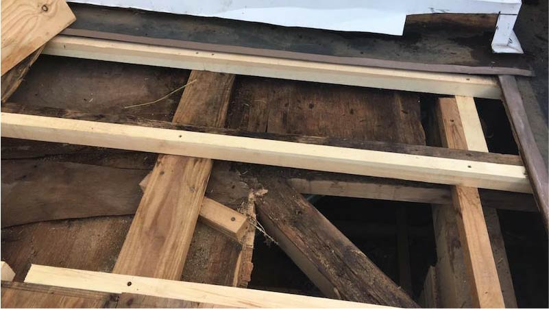 葛飾区のパラペットの防水工事の下地の補修