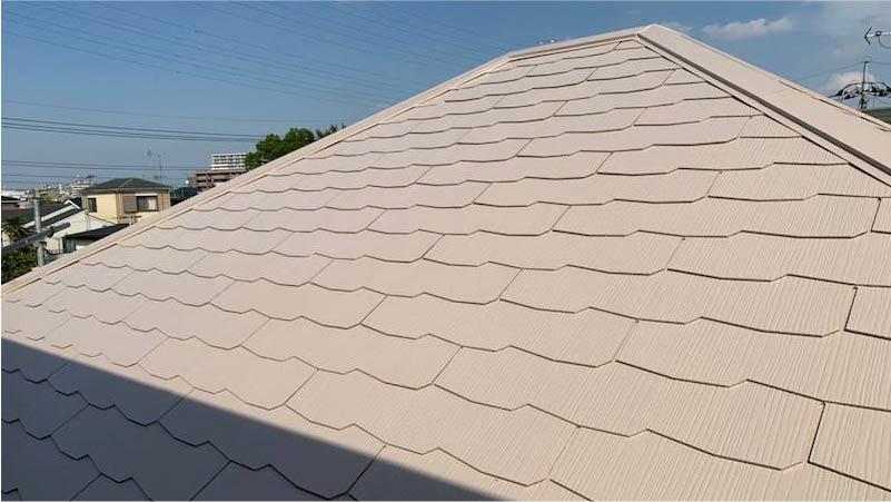 越谷市の屋根塗装の上塗り
