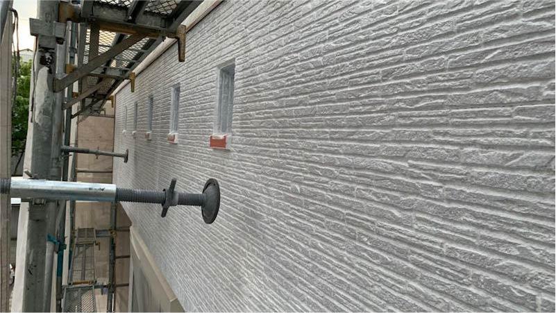 越谷市の外壁塗装の下塗り