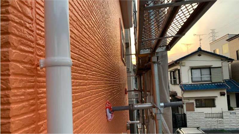 越谷市の外壁塗装の上塗り