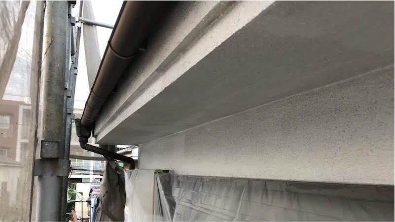 外壁塗装の下塗り施工後の状態