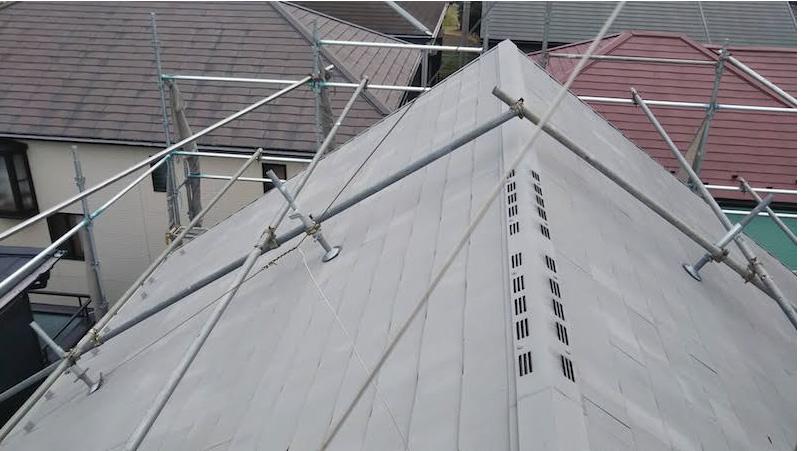 船橋市の屋根カバー工法の施工前の様子
