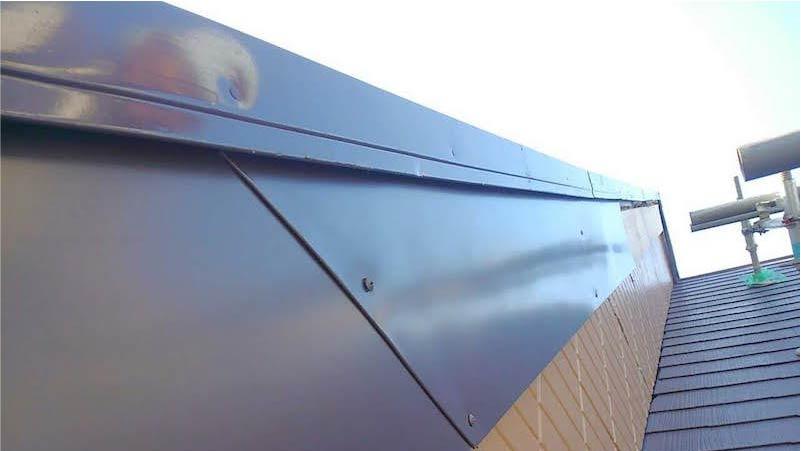 破風板金の施工