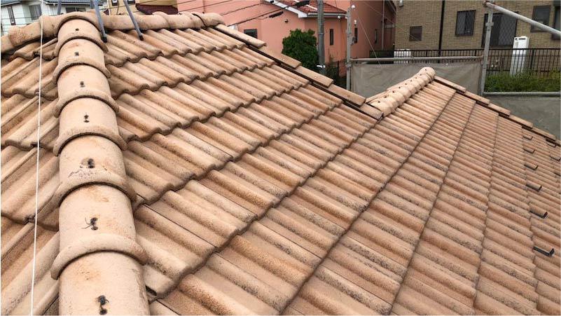 屋根塗装の高圧洗浄後の様子
