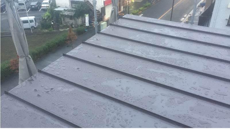 屋根葺き替え工事のルーフィングの施工