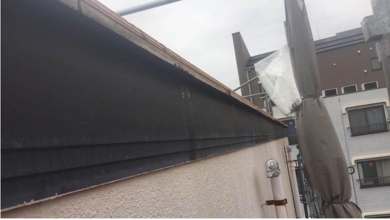 松戸市の破風板金工事の施工前の様子