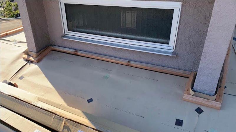 市原市の屋根のカバー工法リフォームの棟下地の施工