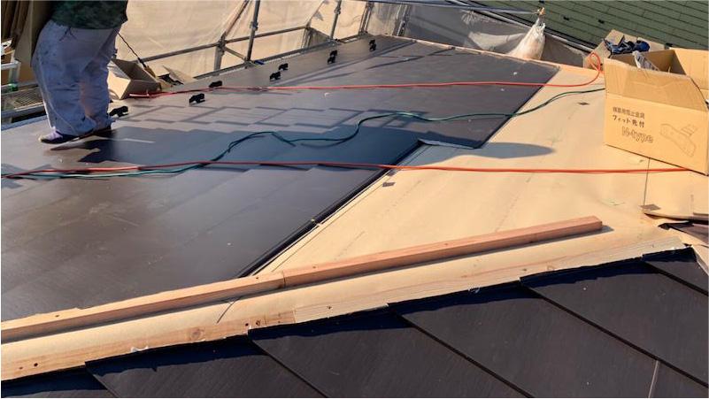 市原市の屋根のカバー工法リフォームのガルバリウム鋼板の施工
