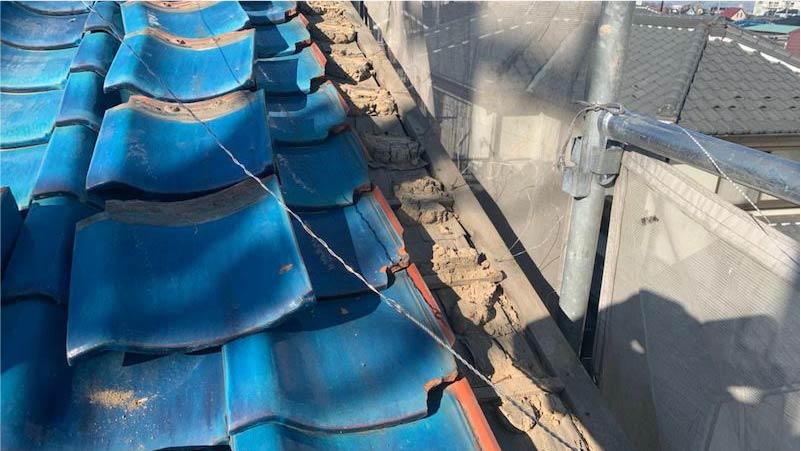 ケラバの屋根の葺き直し