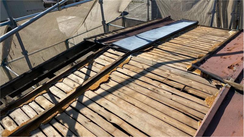 トタン屋根の板金剥がし後の様子
