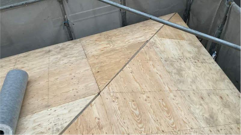 屋根の野地板(コンパネ)の施工