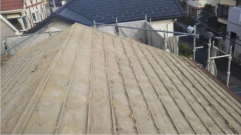 日本瓦の撤去後の屋根