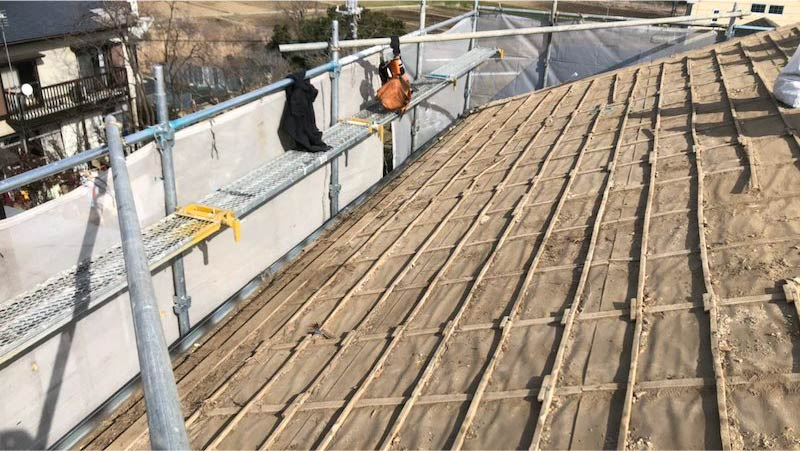 瓦おろしの屋根材の撤去