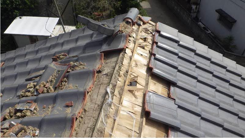 既存屋根材の撤去・解体