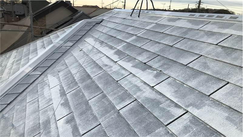 屋根塗装の下塗り施工後