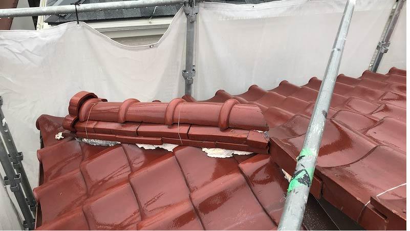 市川市の屋根の葺き替え工事の施工前の様子