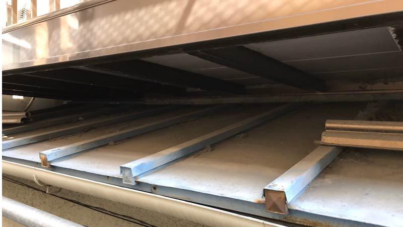 船橋市の屋根の葺き替え工事の施工前の様子