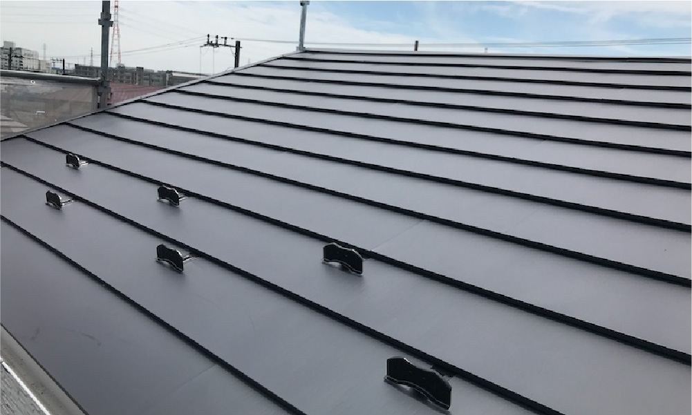 市川市の屋根カバー工法の施工事例