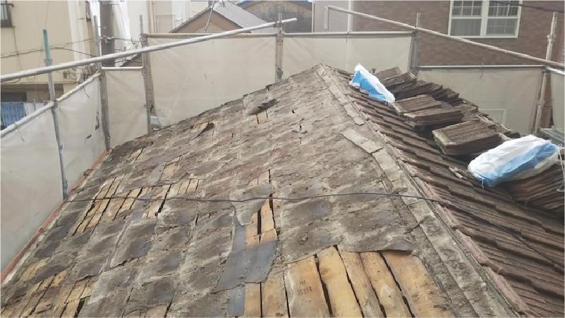 セメント瓦の撤去後の様子