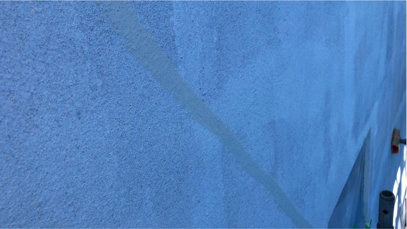 外壁のひび割れの補修